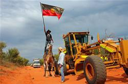Kimberley protesters block road to controversial gas hub site